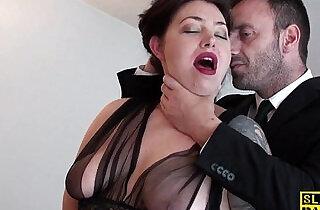 English slut gets chocked
