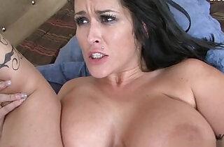 Bigboobs housewife squirting