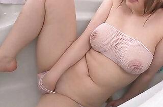 Busty Alice Ozawa vibrates her fat asian pussy