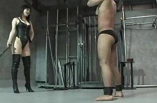 Mistress Natsuki whipping