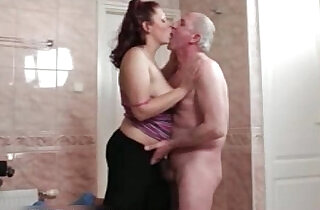 Horny whore goes crazy sucking