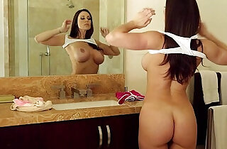 Mommy Kendra Lust and Riley Reid Outdoor Fun