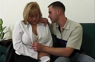 Big Tit BBW Fucked By Repairman In The Couch