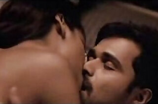 Esha Gupta kiss sex scene on cam with Emraan Hashmi
