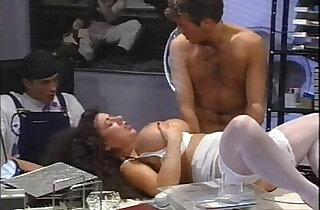 Fotze zu versteigern 1994 full vintage movie with slut busty Tiziana Redford