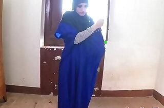 Exotic veiled muslim lady gets fucked deep