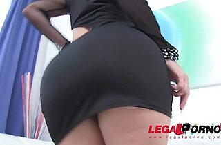 Bella Diamond DAP cocks in big booty