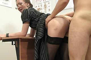 Russian mature teacher Elena anathomy lesson