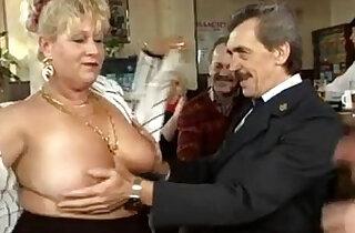 Vlaamse omas en opas in orgie Belgian grannies en grampas in orgy