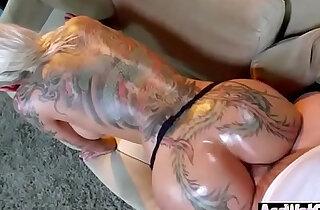 Big Ass Girl Bella Bellz Get Oiled And Enjoy Hardcore video