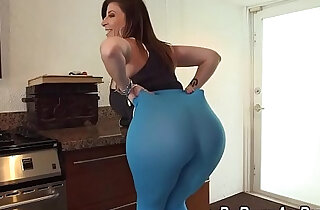 Tongued fat ass slut lady like to ride